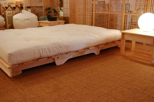 Medium image of futon hagi